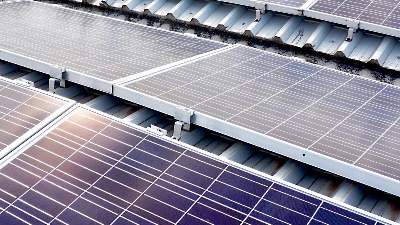 Coperture e capannoni industriali: quali sono i principali vantaggi del fotovoltaico!