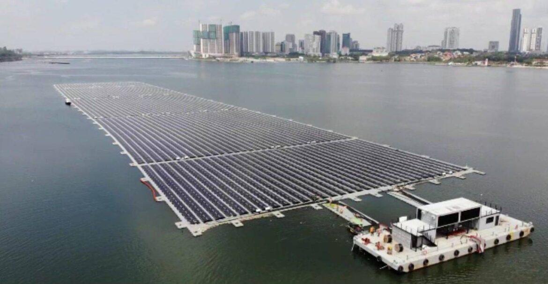 impianto-fotovoltaico-sul-mare-a-Singapore.jpeg
